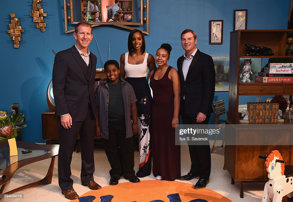 Corporate Affairs Manager for Mars Food North America Matt Hurst Kelly Rowland and Global Vice President for Mars Food Craig Annis pose with 2014...