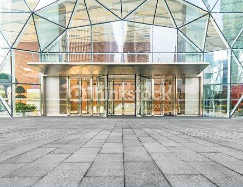 企業の建物のエントランス : ストックフォト