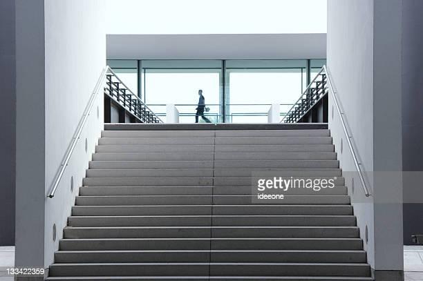 企業の階段