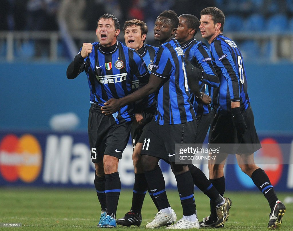 correction name Players of FC Inter Milan react after the end of the match against FC Dynamo Kiev during the UEFA, Group F football match in Kiev on November 4, 2009. Milan won 2-1.