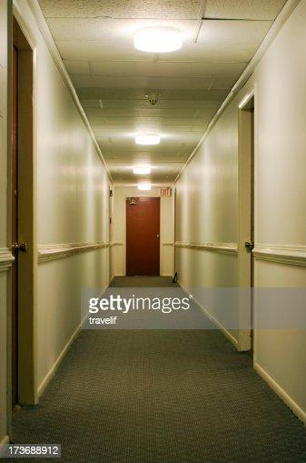 Corridoio con segnale di uscita