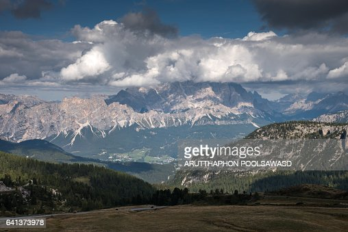 cortina dampezzo senior dating site Walking and trekking in cortina d'ampezzo, in the heart of the dolomites takes you to a burial site at 2,000m altitude dating from cortina d'ampezzo (bl.