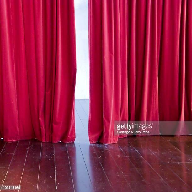 Cortina roja/Red curtain