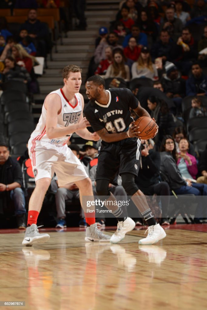 Cory Jefferson #40 of the Austin Spurs handles the ball against Jakob Poeltl #42 of the Raptors 905 at the Air Canada Centre on March 13, 2017 in Toronto, Ontario, Canada.