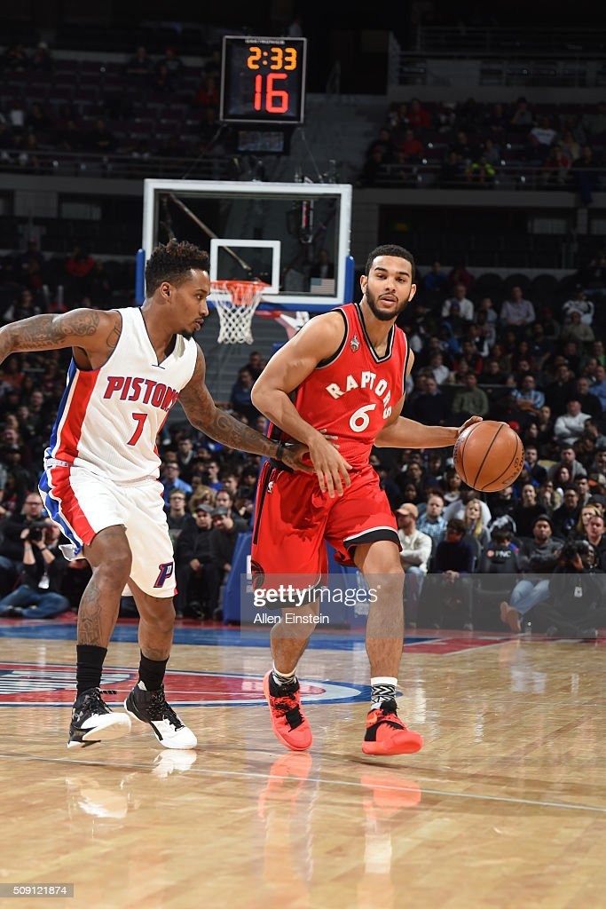 <a gi-track='captionPersonalityLinkClicked' href=/galleries/search?phrase=Cory+Joseph&family=editorial&specificpeople=5953537 ng-click='$event.stopPropagation()'>Cory Joseph</a> #6 of the Toronto Raptors handles the ball against <a gi-track='captionPersonalityLinkClicked' href=/galleries/search?phrase=Reggie+Jackson+-+Basketball+Player+-+Born+1990&family=editorial&specificpeople=11492775 ng-click='$event.stopPropagation()'>Reggie Jackson</a> #1 of the Detroit Pistons on February 8, 2016 at The Palace of Auburn Hills in Auburn Hills, Michigan.