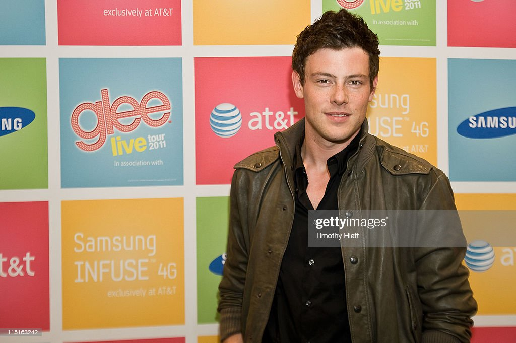 <a gi-track='captionPersonalityLinkClicked' href=/galleries/search?phrase=Cory+Monteith&family=editorial&specificpeople=4491048 ng-click='$event.stopPropagation()'>Cory Monteith</a> attends the Glee Live! Samsung Infuse 4G for AT&T Chicago retail event at the AT&T Store on June 3, 2011 in Skokie, Illinois.