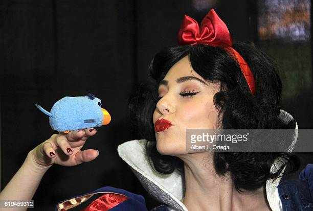 Cosplayer Megan Golden as Snow White ont day 3 of Stan Lee's Los Angeles Comic Con 2016 held at Los Angeles Convention Center on October 30 2016 in...