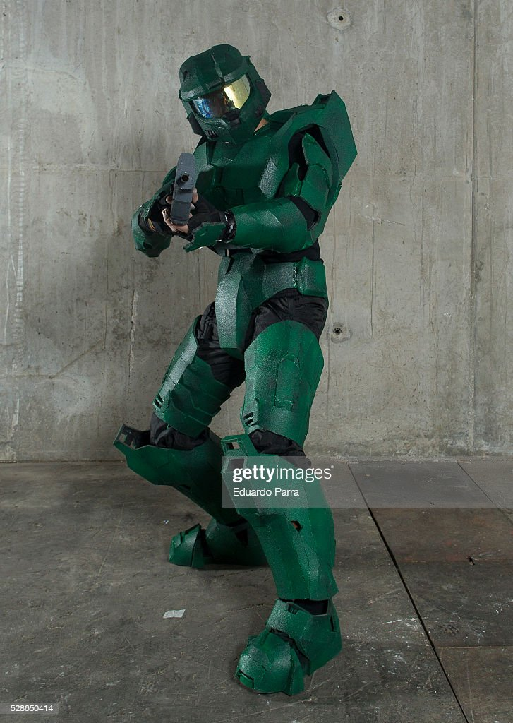 Cosplayer @OoadanoO characterized as the Master Chief character of the video game 'Halo', attends the fair Expomanga at IFEMA on May 06, 2016 in Madrid, Spain.