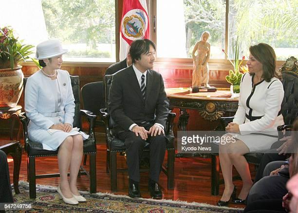 SAN JOSE Costa Rica Japanese Prince Akishino and his wife Princess Kiko speak with Costa Rican President Laura Chinchilla during their meeting in San...