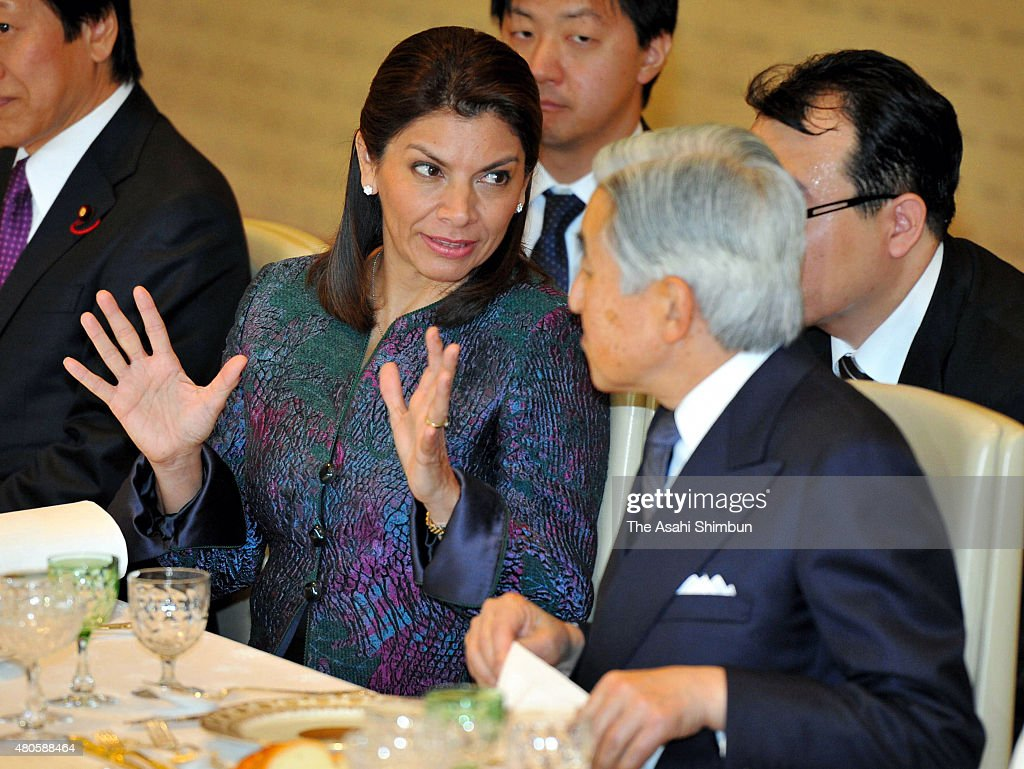 Costa Rican President Laura Chinchilla and Emperor Akihito are seen during their luncheon at the Imperial Palace on December 8 2011 in Tokyo Japan