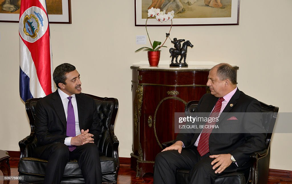 Costa Rican President Luis Guillermo Solis (R) listens to the United Arab Emirates' Foreign Minister, Sheikh Abdallah bin Zayid Al Nuhayyan during a meeting at the presidential palace in San Jose, on February 12, 2016. AFP PHOTO / EZEQUIEL BECERRA / AFP / EZEQUIEL BECERRA