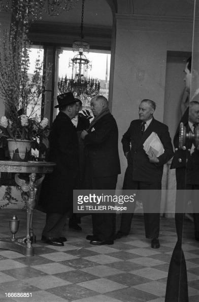 Council Of Ministers At The Elysee Paris France fin févrierdébut mars 1956 A l'Elysée les conseils de guerre sur la rébellion en Algérie le général...