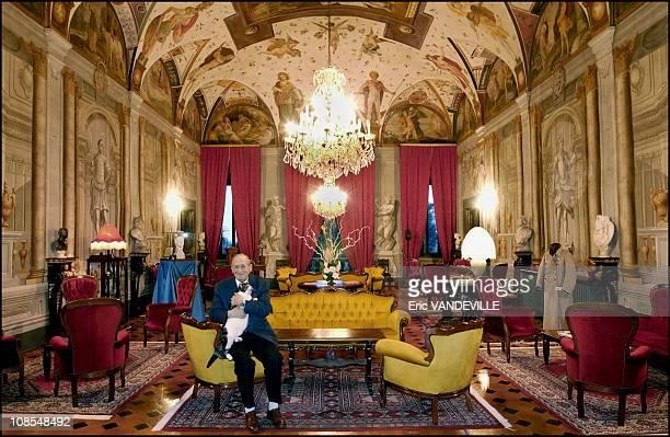 Count Ferdinando Agostini Venerosi della Seta in the grand salon of his villahotel in Pisa Italy on February 19th 2002