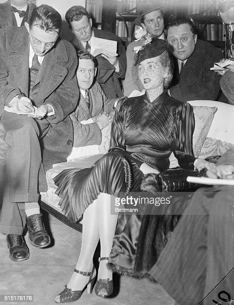 Countess Babs Arrives New York The Countess Haugwitz Von Reventlow the former Barbara Hutton who gave up her American citizenship is pictured in her...