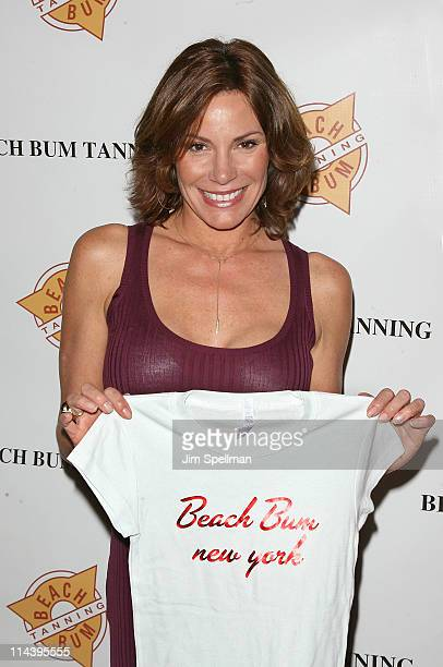 Countess Luann de Lesseps attends the Mobile Spray Tan Unit launch at Beach Bum Tanning Salon on May 18 2011 in New York City