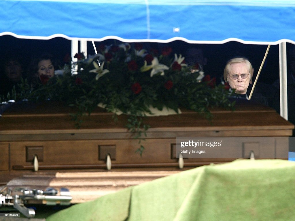 Country music artist George Jones attends the funeral of country singer Johnny PayCheck February 25, 2003 at Woodlawn Funeral Home in Nashville, Tennessee.
