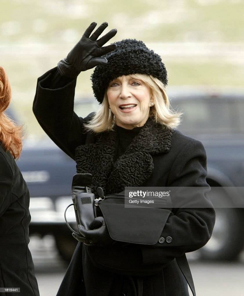 Country music artist Jeannie Seely arrives at the funeral of country singer Johnny PayCheck February 25, 2003 at Woodlawn Funeral Home in Nashville, Tennessee.