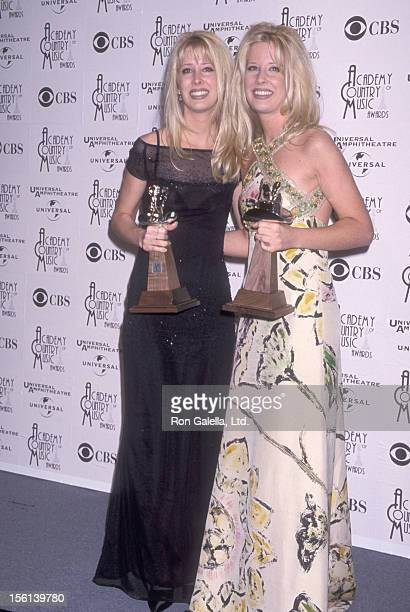 Country music duo The Kinleys attend the 33rd Annual Academy of Country Music Awards on April 22 1998 at Universal Amphitheatre in Universal City...