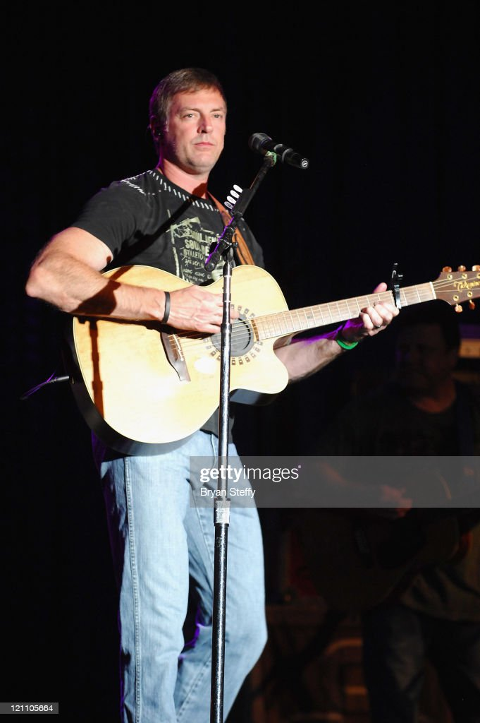 Country Music Star Darryl Worley Performs At Santa Fe Station