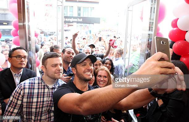 Country music star Luke Bryan was at the Grand Opening of Verizon Wireless' new SMART Store in Herald Square to preorder the latest Samsung Galaxy S6...