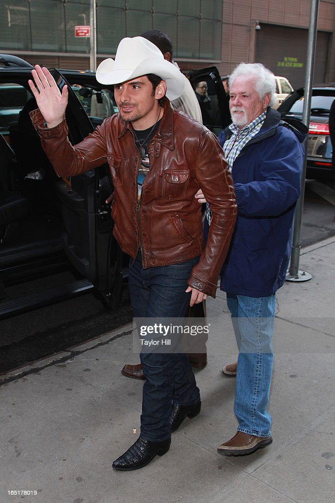 Country musician Brad Paisley visits the set of 'Good Morning America' at GMA Studios on April 1, 2013 in New York City.
