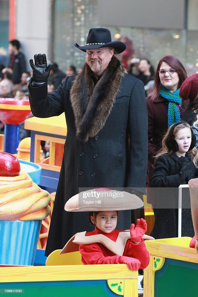 Country musician Trace Adkins attends the 86th Annual Macy's Thanksgiving Day Parade on November 22, 2012 in New York City.