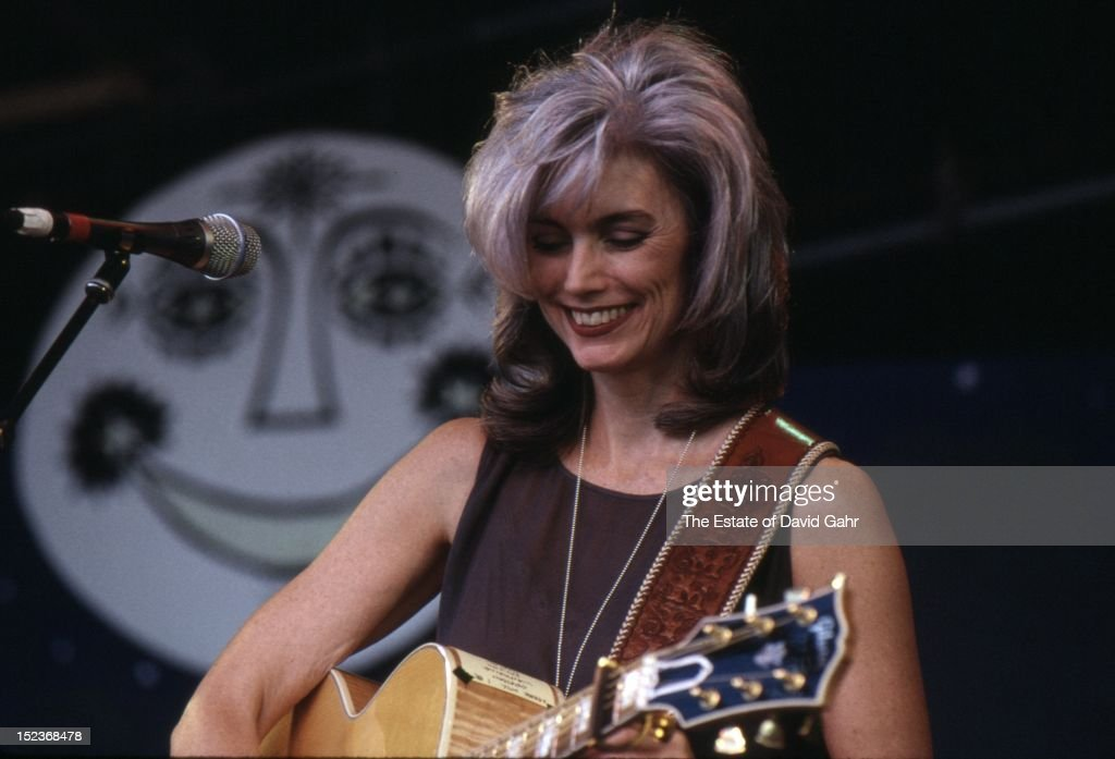 Is Sarah Jessica Parker attractive?   Page 9   Sherdog ... Emmylou Harris Country Radio