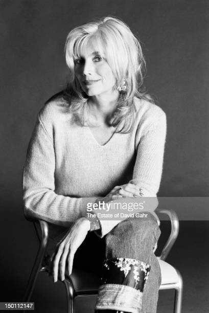Country singer Emmylou Harris poses for a portrait in September 1999 in New York City New York