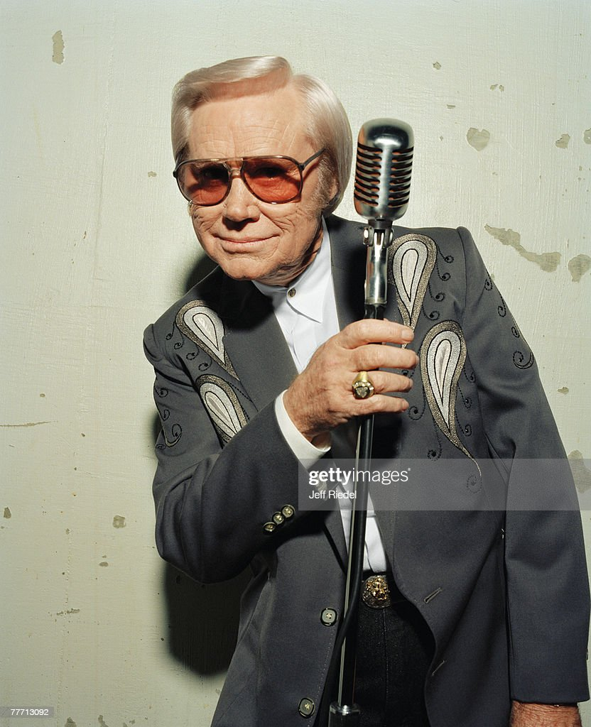 Country singer George Jones is photographed on October 1, 1998 in Nashville, Tennessee.