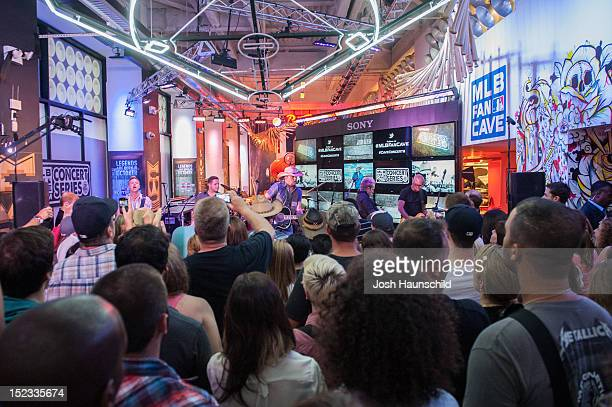Country Singer Jason Aldean performs a concert at the MLB Fan Cave Tuesday September 4 at Broadway and 4th Street in New York City