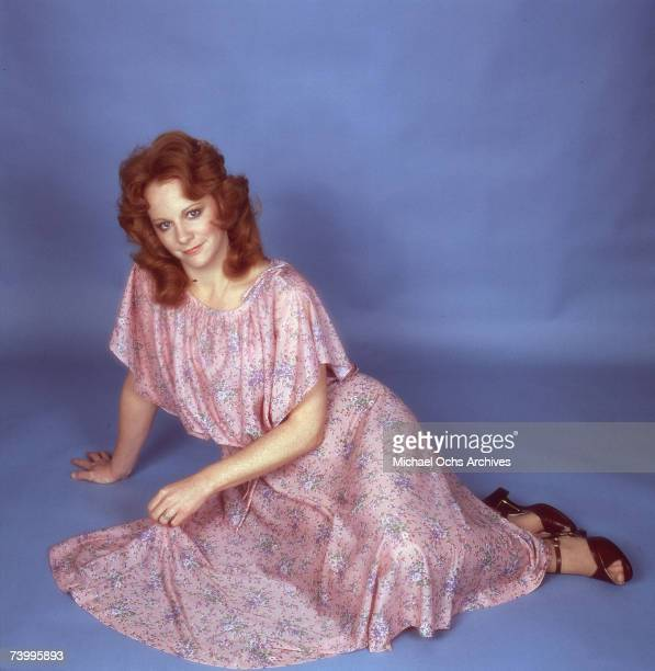 Country singer Reba McEntire poses for a portrait session in Nashville Tennessee in circa 1976