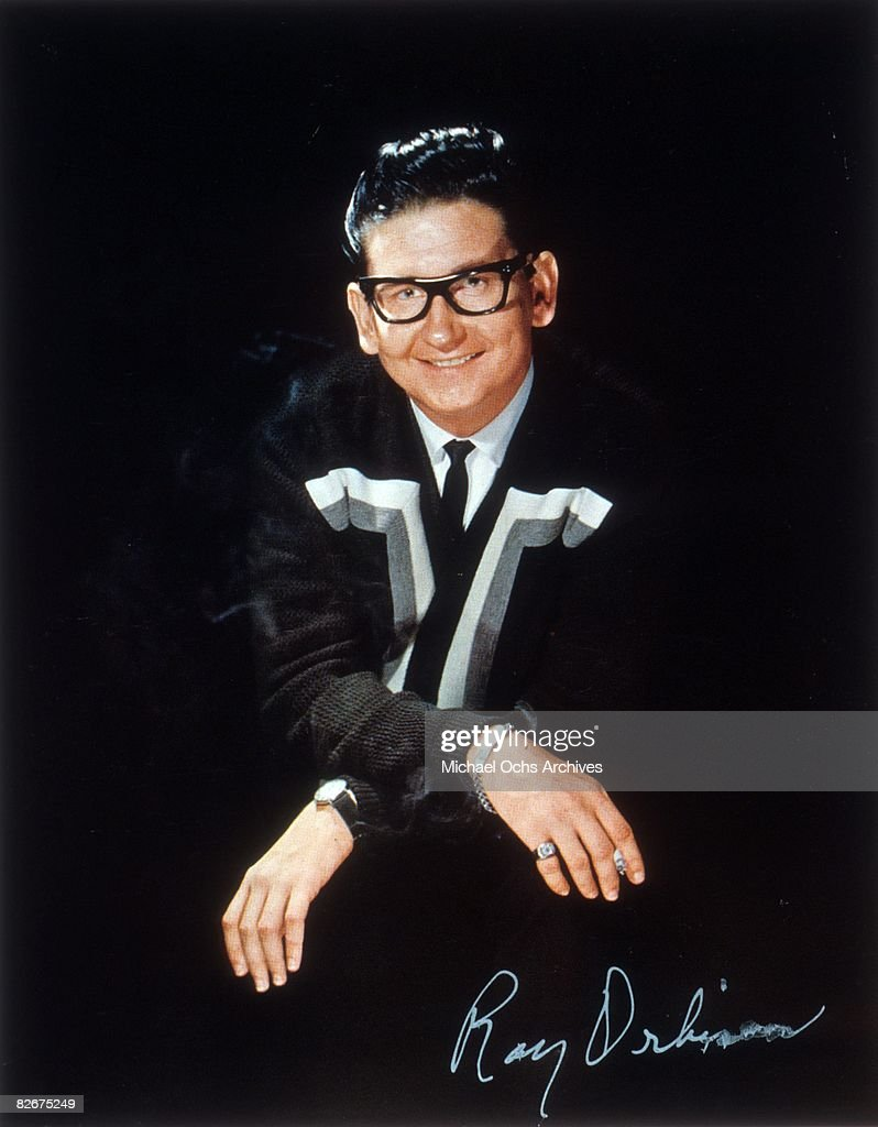 Country singer <a gi-track='captionPersonalityLinkClicked' href=/galleries/search?phrase=Roy+Orbison&family=editorial&specificpeople=913944 ng-click='$event.stopPropagation()'>Roy Orbison</a> poses for a portrait in circa 1963.