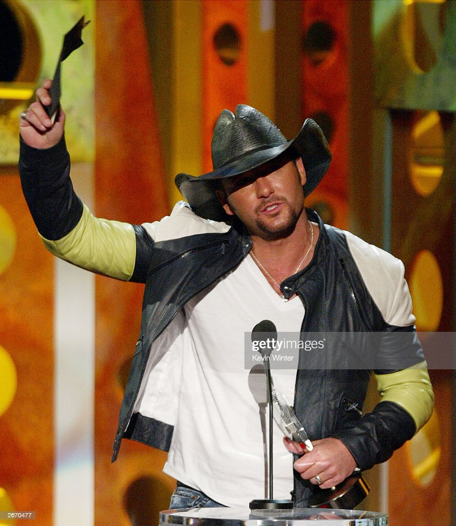 Country Singer Tim McGraw accepts an award onstage at The 2003 Radio Music Awards at the Aladdin Casino Resort October 27, 2003 in Las Vegas, Nevada.