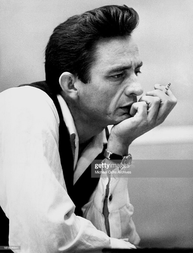 Country singer/songwriter Johnny Cash poses for a portrait in circa 1969.