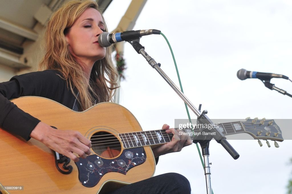 Country Star Chely Wright performs live at the Golf and Guitars charity event on May 18, 2010 at the Alister MacKenzie Golf Course at Haggin Oaks in Sacramento, California.
