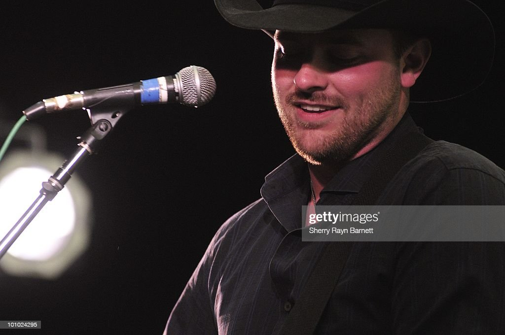 Country Star Chris Young performs live at the Golf and Guitars charity event on May 18, 2010 at the Alister MacKenzie Golf Course at Haggin Oaks in Sacramento, California.