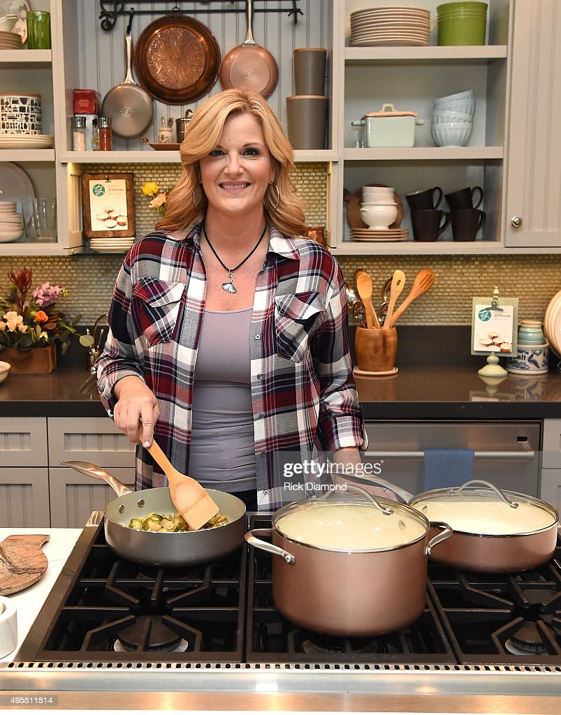 Country Star Trisha Yearwood Partners With JCPenney To Honor Breast Cancer Survivors