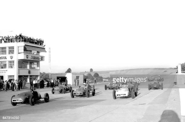 Coupe du salon monopoles at the start of the race at Autodrome de LinasMontlh_ry 1959