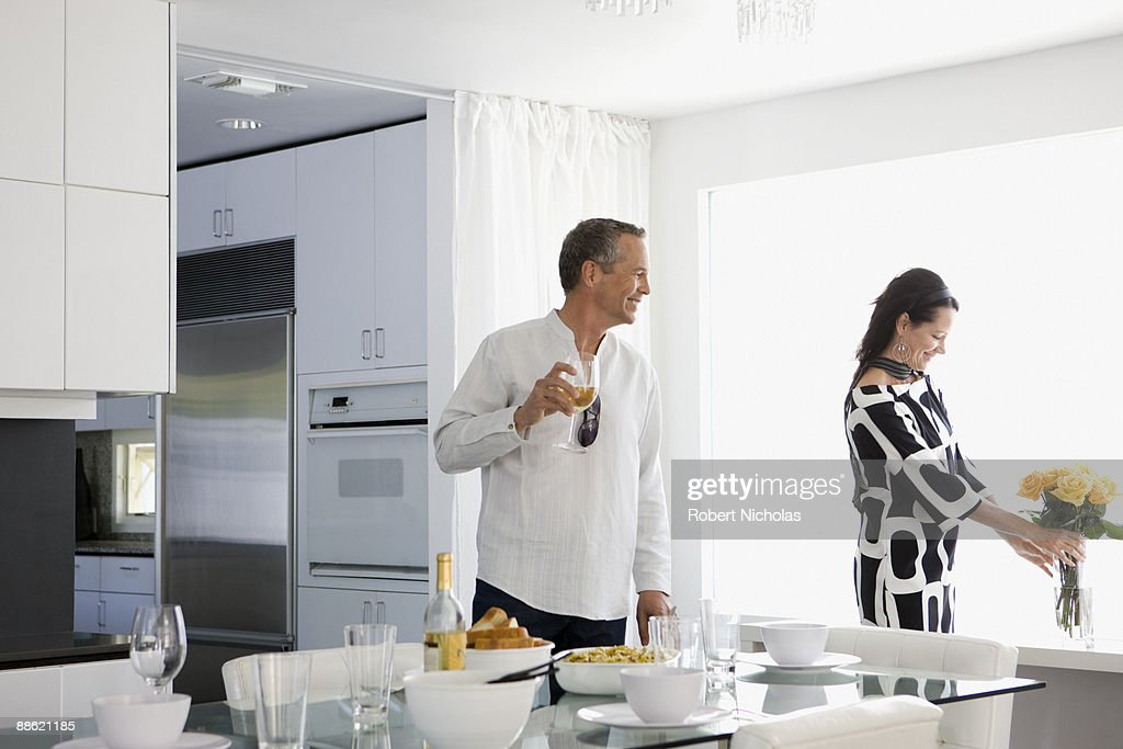 Couple about to enjoy dinner together : Stock Photo