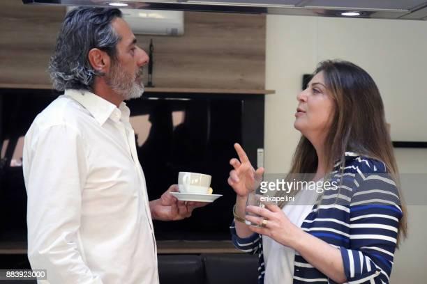 Paar bij het ontbijt