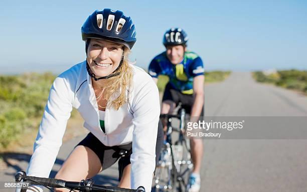 Par montar en bicicleta en la sala de control remoto