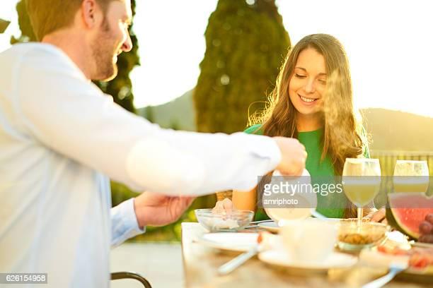 couple breakfast outside