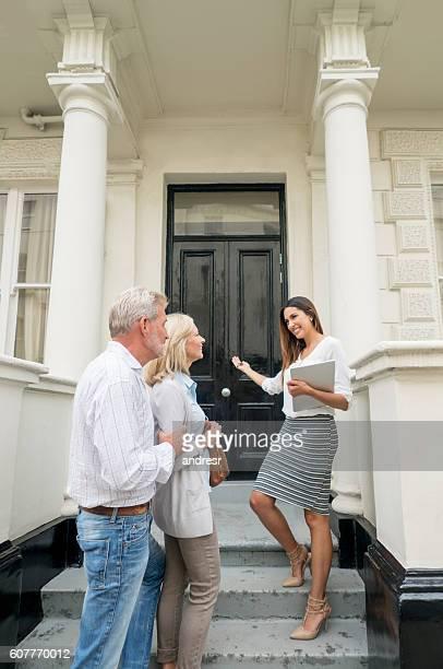 Paar ein Haus kaufen