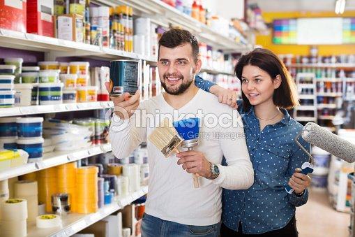 Couple deciding on best color scheme : Stock Photo
