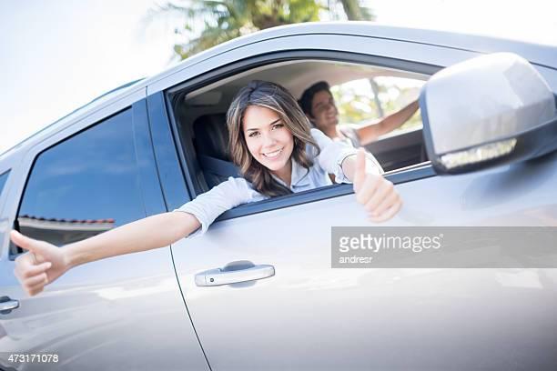 Couple, conduire une voiture