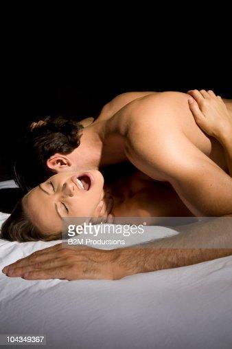 chasto-li-babi-imitiruyut-orgazm