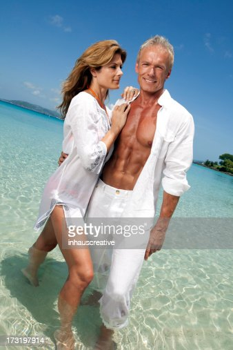 Sexy couple lap stockfoto 39 s en beelden getty images for Tropical vacations for couples