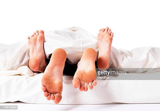 Casal tendo relações sexuais