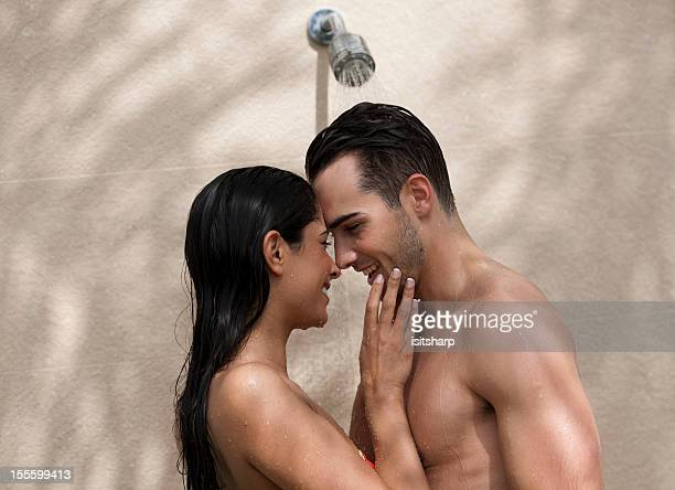 Paar in Dusche