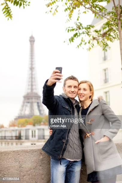 Couple dans Paris